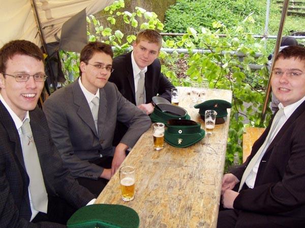 http://www.vitus-gemeinde.de/galerien/cache/vs_01%202005_02%20K%F6nigschie%DFen%20St.%20Johannes%20(07.05.2005)_johannes02.jpg