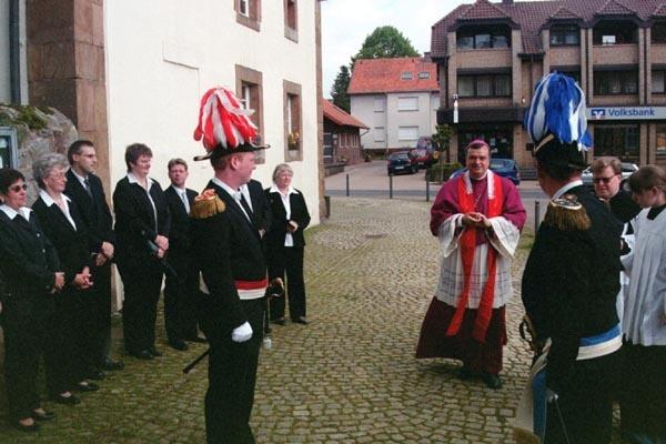 http://www.vitus-gemeinde.de/galerien/cache/vs_01%202005_03%20Orgelweihe%20(15.05.2005)_orgelweihe01.jpg