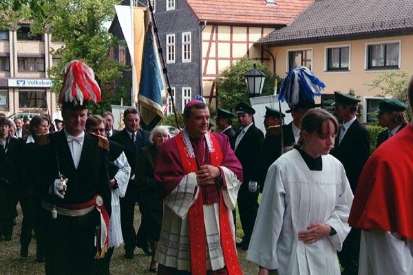 http://www.vitus-gemeinde.de/galerien/cache/vs_01%202005_03%20Orgelweihe%20(15.05.2005)_orgelweihe02.jpg