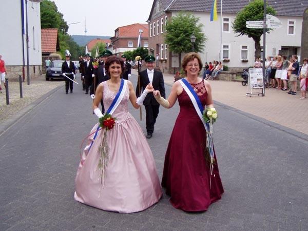 http://www.vitus-gemeinde.de/galerien/cache/vs_01%202005_08%20Sch%FCtzenfest:%20Festumz%FCge%20(25.-26.06.2005)_festumzug13.jpg