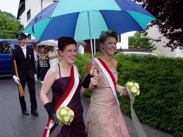 http://www.vitus-gemeinde.de/galerien/cache/vs_01%202005_08%20Sch%FCtzenfest:%20Festumz%FCge%20(25.-26.06.2005)_festumzug18.jpg