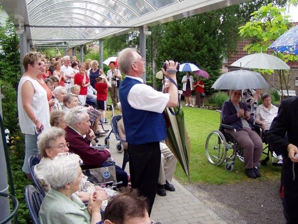 http://www.vitus-gemeinde.de/galerien/cache/vs_01%202005_08%20Sch%FCtzenfest:%20Festumz%FCge%20(25.-26.06.2005)_festumzug21.jpg