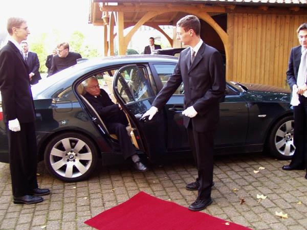 http://www.vitus-gemeinde.de/galerien/cache/vs_01%202005_10%2080.%20Geburtstag%20Pastor%20K%E4mpchen%20(03.10.2005)_kaempchen01.jpg