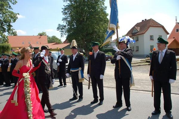 http://www.vitus-gemeinde.de/galerien/cache/vs_02%202006_07%20Sch%FCtzenfest:%20Festumz%FCge%20(24.-25.06.2006)_umzug__011.jpg