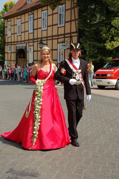 http://www.vitus-gemeinde.de/galerien/cache/vs_02%202006_07%20Sch%FCtzenfest:%20Festumz%FCge%20(24.-25.06.2006)_umzug__021.jpg