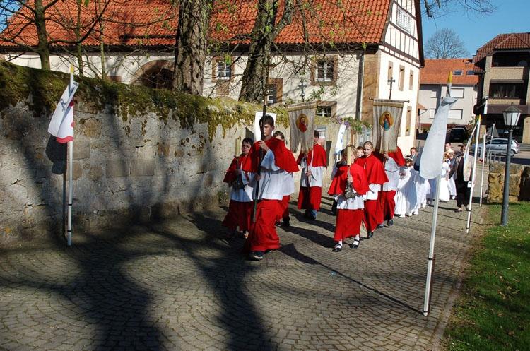 http://www.vitus-gemeinde.de/galerien/cache/vs_03%202007_01%20Erstkommunionfeier%20(15.04.2007)_erstkommunion__08.jpg