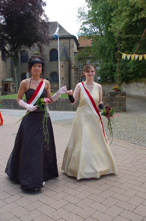 http://www.vitus-gemeinde.de/galerien/cache/vs_03%202007_08%20Sch%FCtzenfest:%20Festum%FCge%20(23.-24.06.2007)_umzug__sa__166.jpg