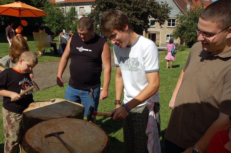 http://www.vitus-gemeinde.de/galerien/cache/vs_03%202007_10%20Pfarrfest%20(12.08.2007)_pfarrfest__42.jpg