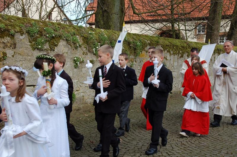 http://www.vitus-gemeinde.de/galerien/cache/vs_03%202008_01%20Erstkommunionfeier%20(30.03.2008)_erstkommunion2008__11.jpg