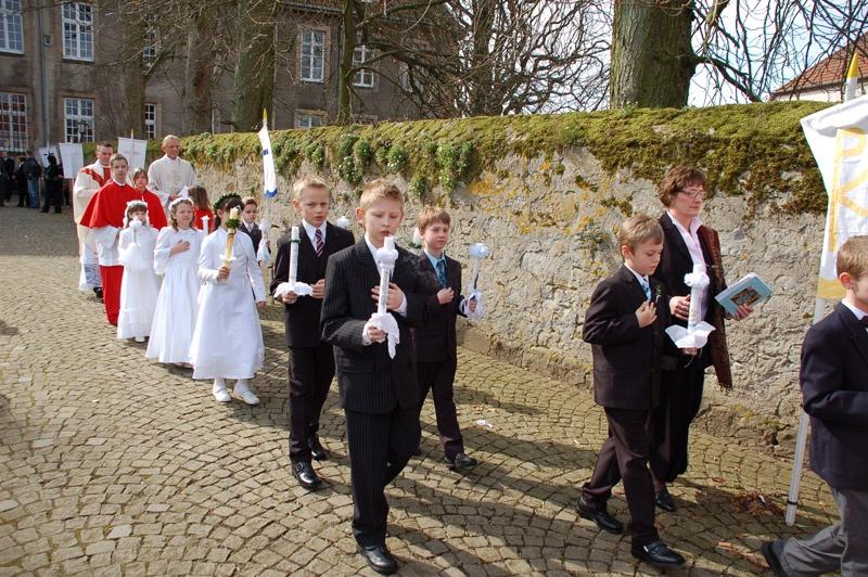 http://www.vitus-gemeinde.de/galerien/cache/vs_03%202008_01%20Erstkommunionfeier%20(30.03.2008)_erstkommunion2008__14.jpg