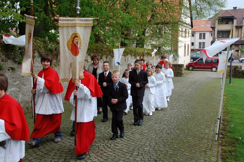 http://www.vitus-gemeinde.de/galerien/cache/vs_04%202009_04%20Erstkommunionfeier%20(19.04.2009)_erstkommunion2009__12.jpg