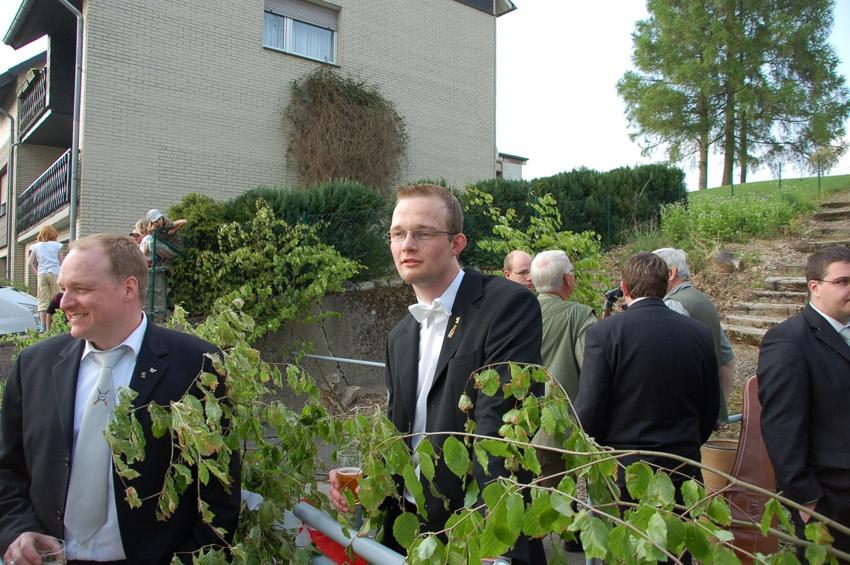 http://www.vitus-gemeinde.de/galerien/cache/vs_04%202009_05%20K%F6nigschie%DFen%20St.%20Johannes%20(02.05.2009)_johannes__03.jpg