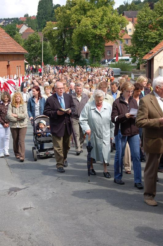 http://www.vitus-gemeinde.de/galerien/cache/vs_04%202009_08%20Vitusprozession%20(21.06.2009)_vitus__21.jpg