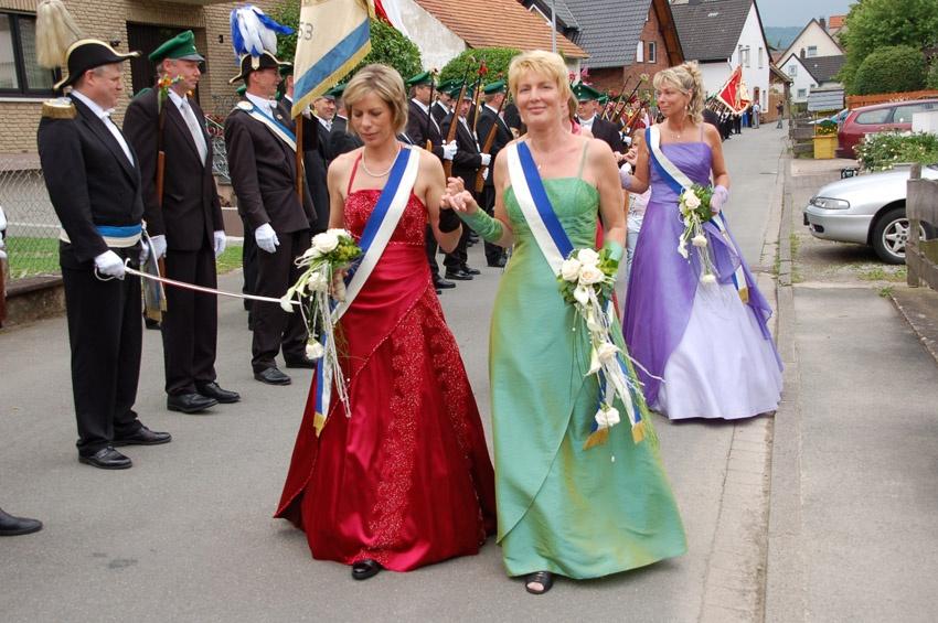 http://www.vitus-gemeinde.de/galerien/cache/vs_04%202009_09%20Sch%FCtzenfest:%20Festumz%FCge%20(27.-28.06.2009)_umzug__sa__020.jpg
