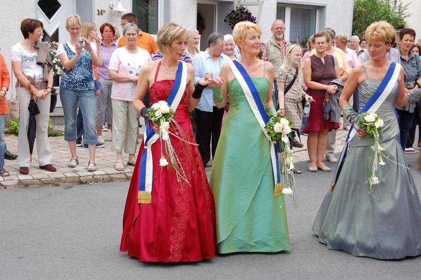 http://www.vitus-gemeinde.de/galerien/cache/vs_04%202009_09%20Sch%FCtzenfest:%20Festumz%FCge%20(27.-28.06.2009)_umzug__sa__026.jpg