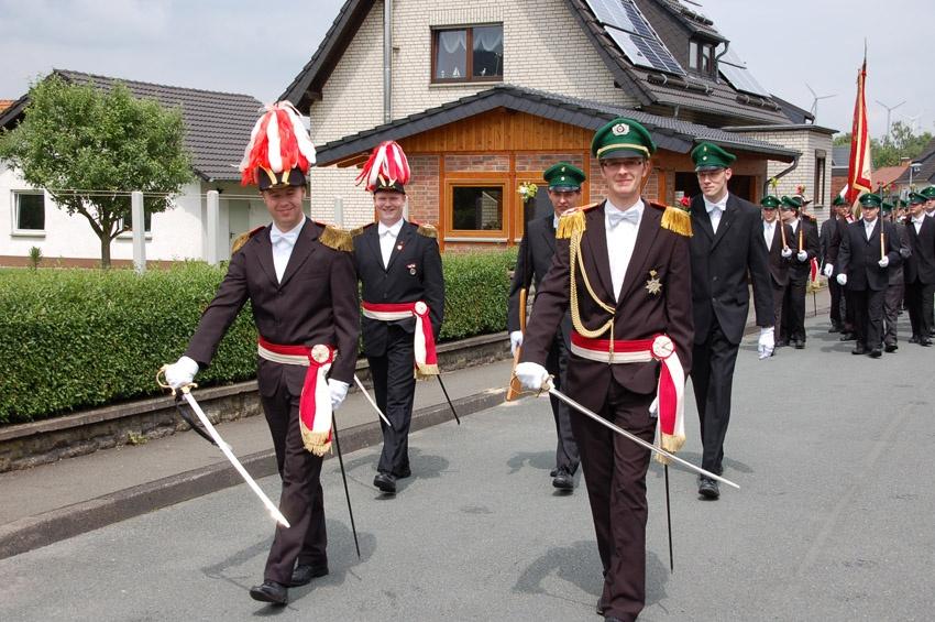 http://www.vitus-gemeinde.de/galerien/cache/vs_04%202009_09%20Sch%FCtzenfest:%20Festumz%FCge%20(27.-28.06.2009)_umzug__sa__054.jpg