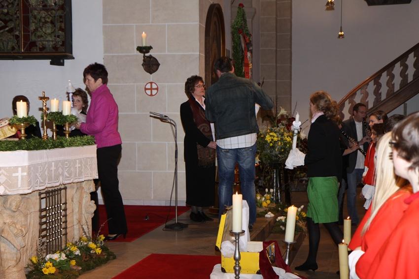 http://www.vitus-gemeinde.de/galerien/cache/vs_05%202010_01%20Erstkommunionfeier%20(18.04.2010)_erstkommunion2010__19.jpg