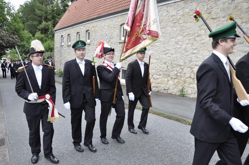 http://www.vitus-gemeinde.de/galerien/cache/vs_06%202011_05%20Sch%FCtzenfest:%20Festumz%FCge%20(25.-26.06.2011)_umzug__sa__117.jpg