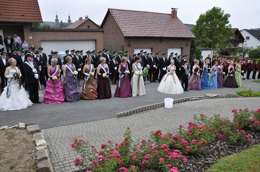http://www.vitus-gemeinde.de/galerien/cache/vs_06%202011_05%20Sch%FCtzenfest:%20Festumz%FCge%20(25.-26.06.2011)_umzug__sa__121.jpg