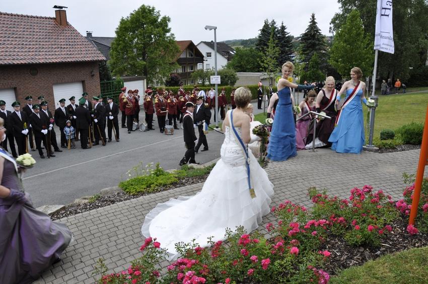 http://www.vitus-gemeinde.de/galerien/cache/vs_06%202011_05%20Sch%FCtzenfest:%20Festumz%FCge%20(25.-26.06.2011)_umzug__sa__123.jpg