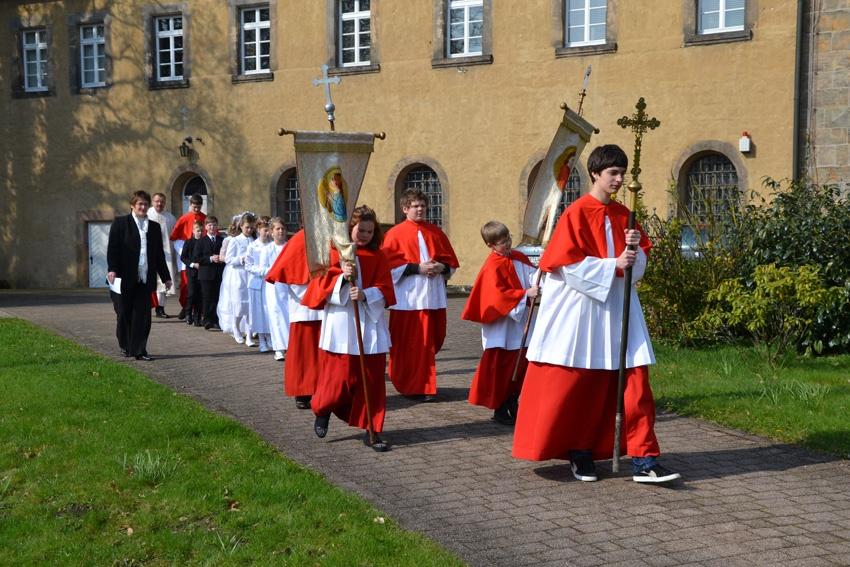 http://www.vitus-gemeinde.de/galerien/cache/vs_07%202012_01%20Erstkommunionfeier%20(15.04.2012)_erstkommunion2012__07.jpg