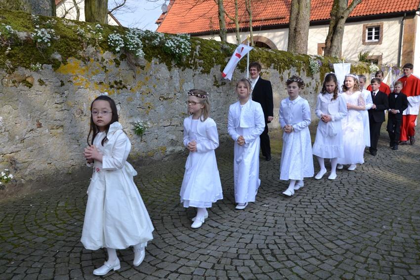 http://www.vitus-gemeinde.de/galerien/cache/vs_07%202012_01%20Erstkommunionfeier%20(15.04.2012)_erstkommunion2012__10.jpg