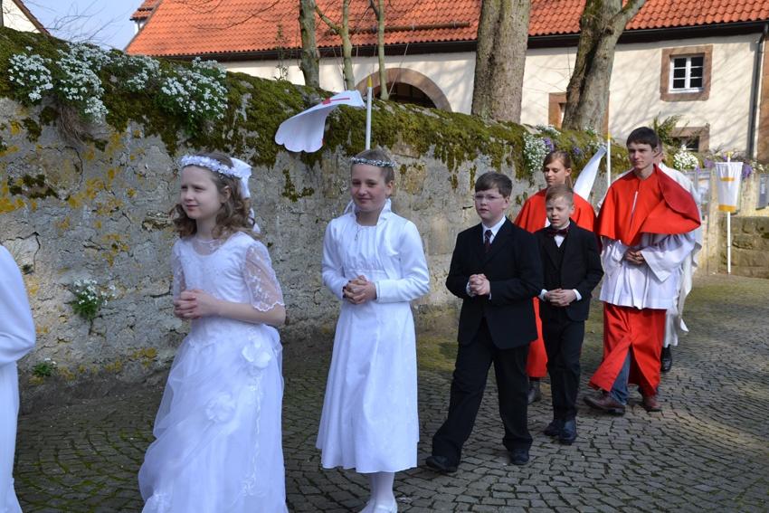 http://www.vitus-gemeinde.de/galerien/cache/vs_07%202012_01%20Erstkommunionfeier%20(15.04.2012)_erstkommunion2012__11.jpg