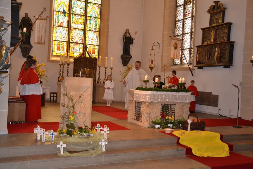 http://www.vitus-gemeinde.de/galerien/cache/vs_07%202012_01%20Erstkommunionfeier%20(15.04.2012)_erstkommunion2012__12.jpg