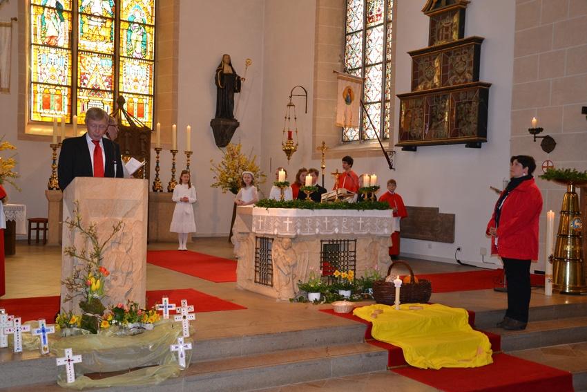 http://www.vitus-gemeinde.de/galerien/cache/vs_07%202012_01%20Erstkommunionfeier%20(15.04.2012)_erstkommunion2012__14.jpg