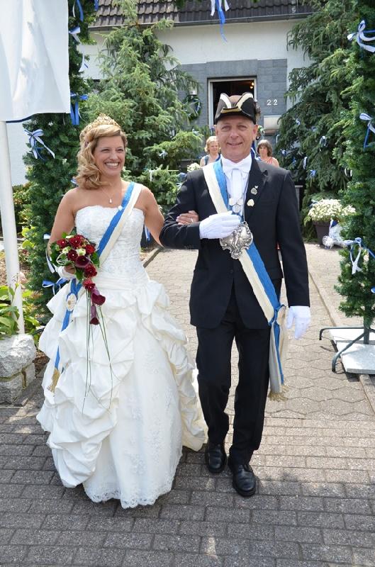 http://www.vitus-gemeinde.de/galerien/cache/vs_07%202012_05%20Sch%FCtzenfest:%20Festumz%FCge%20(23.-24.06.2012)_umzug__sa__010.jpg