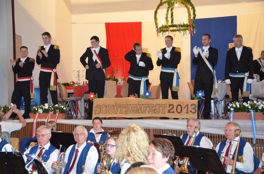 http://www.vitus-gemeinde.de/galerien/cache/vs_08%202013_08%20Sch%FCtzenfest:%20Stadthalle%20(23.06.2013)_stadthalle__12.jpg