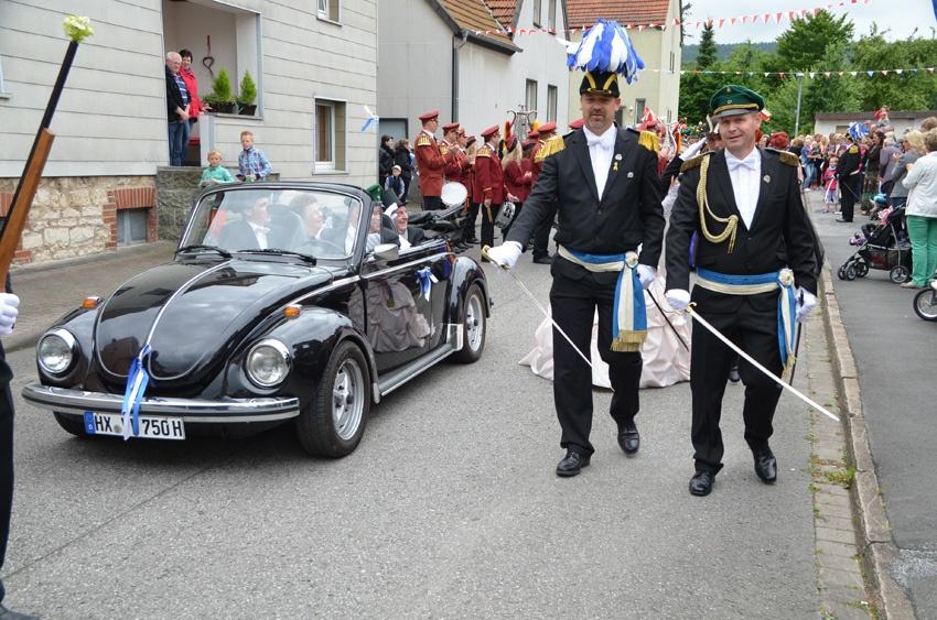 http://www.vitus-gemeinde.de/galerien/cache/vs_09%202014_07%20Sch%FCtzenfest%20Festumz%FCge%20(21.-22.06.2014)_umzug__sa__030.jpg