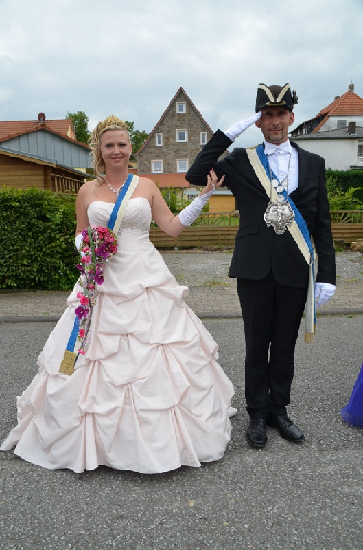 http://www.vitus-gemeinde.de/galerien/cache/vs_09%202014_07%20Sch%FCtzenfest%20Festumz%FCge%20(21.-22.06.2014)_umzug__sa__050.jpg